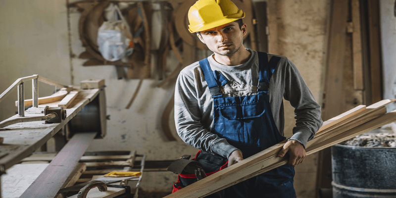 How to become a Qualified Carpenter, and How Much Does a Skilled Carpenter Earn?